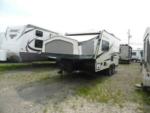 2017 Forest River Palomino Solaire 163X 18 pieds