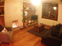 2 Bedroom Flat - Cattofield Place - Central to Uni & ARI