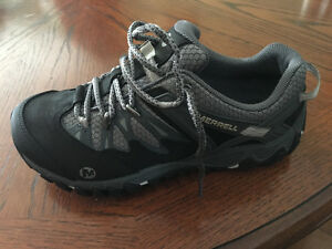 Brand new merrell shoes