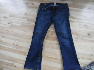 TRUE RELIGION  JEANS 34 X 30  BECKY