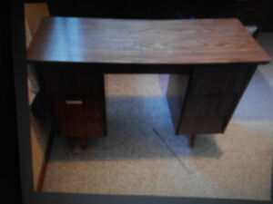 OLD  DESK WITH 6 DRAWERS