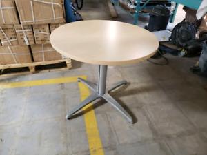 Table de cafeteria ou de travail style cocktail