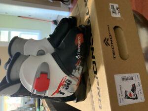 Ski Boots/TechnoPro Youth.  Size 19.5.  New $79.99.