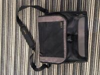 Black Targus laptop bag