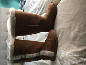 Fuzzy boots- size 10.5 Girls