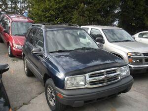 2003 Chevrolet Tracker 4x4 SUV, Crossover