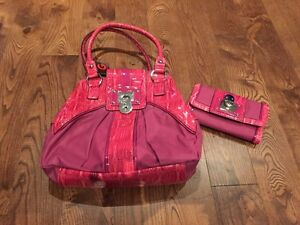 Guess purse with matching wallet. NWT