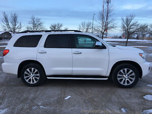 2014 Toyota Sequoia Limited with extended warranty