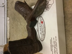 Cowboy boots. Alberta boot co. Men's 10 (I wear size 11 runners)