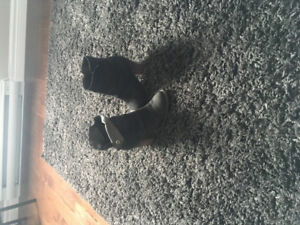 Woman booties aldo size 7