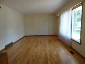 1 BR AVAIL May 1st, 10 Minutes Walk to U of M