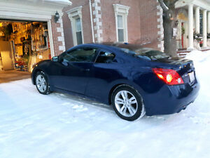 2010 Nissan Altima 2.5 S Coupe (2 door)