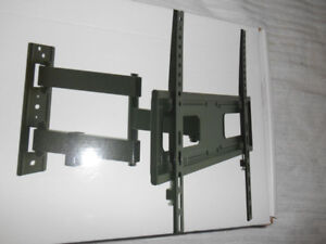 TV WallMount Bracket  with FULL MOTION ARTICULATING ARM