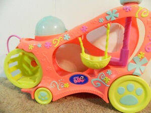 Littlest Pet Shop: Bus and hamster toy Kitchener / Waterloo Kitchener Area image 2