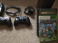 *BARGAIN!!*Xbox 360 with Minecraft, 2 Controllers and handbook!