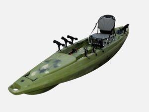Maverick angling kayak w/ paddle