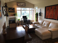 $1850 Fully Furnished Top Floor Condo on Golf Cours