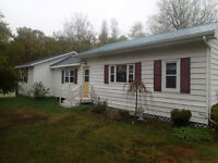 Cozy and clean 3 bedroom Cottage on the North Shore
