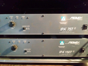 Two peavy power amps