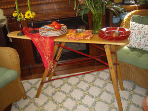 CONSOLE TABLE- MAPLE/ TABLE DE SERVICE ERABLE