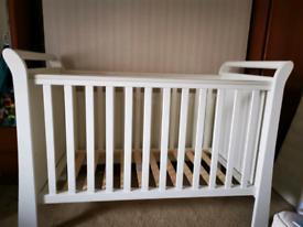 Mamas and Papas Mia Cot in White