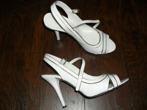 Ladies Leather Shoes in Size 8.5