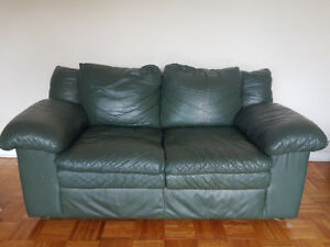 Leather couch/loveseat