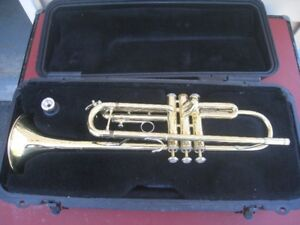 Bach TR300 Trumpet with Selmar hardshell case.