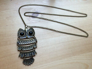 Collier neuf long hibou vintage