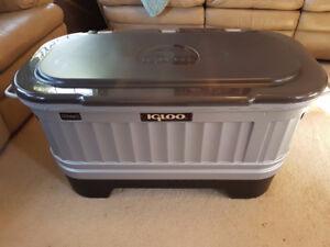 NEW Liddup IGLOO Cooler/Bar Plus
