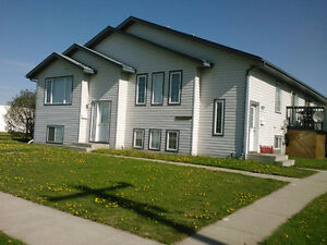 Townhouse in Morinville with Double Garage Avail November 1st
