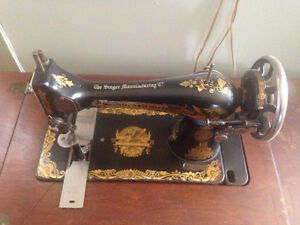 Antique Singer 127K treadle sewing machine
