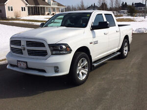 "2014 Dodge Ram 1500 SPORT CREW CAB ""REDUCED""""$249.22 BIWEEKLY"""
