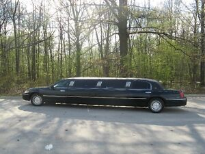 2000  Lincoln Town car 8 seater Limousine