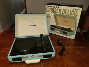 Portable Turntable *Delivery Available*