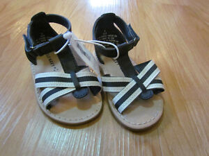 BNWT old navy sandals size 5