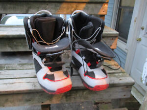 Mens snowboard boots size 11.5