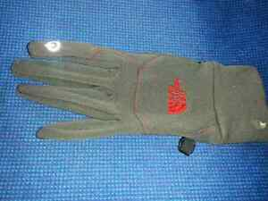 Found ladies the north face left glove London Ontario image 1