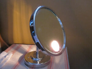 Lighted Mirror 5X magnification