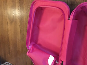 Carry-on luggage for Kids! Disney princesses! West Island Greater Montréal image 2