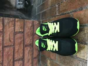 Brand new men's Nike Air Force 180s never worn