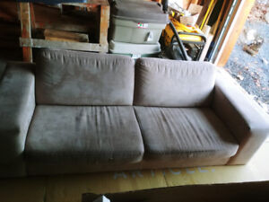 Free couch must pick up in Hubley
