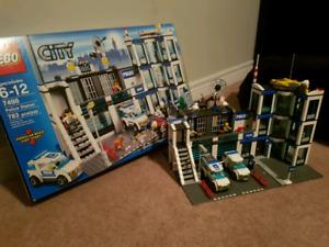 Lego City Police Station #7498