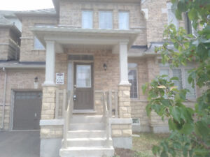 Gorgeous Town House in Markham For Rent - Elgin Mills & Woodbine