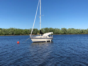 28 ft O'Day Sailboat