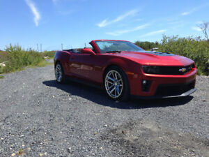 2014 CAMARO ZLI CONVERTABLE..ONE OWNER..LIKE NEW