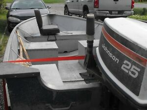 14ft boat 25hp motor and trailer