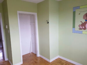 Room for rent @Newfoundland drive (utility included) St. John's Newfoundland image 2