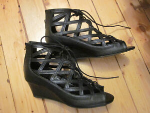 Women's wide width lace-up wedges, size 10W Kitchener / Waterloo Kitchener Area image 3