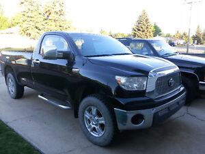 2008 Toyota Tundra Pickup Truck SR5  5.7L  !! Low KM'S !!